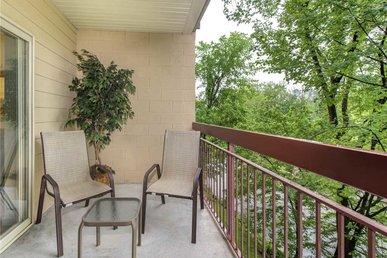 River Mist Condo Cedar Lodge 204 - 2 Bedrooms, 2 Baths, Sleeps 6