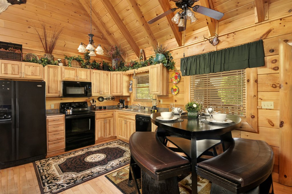 Photo of a Sevierville Cabin named Hakuna Matata - This is the fifth photo in the set.