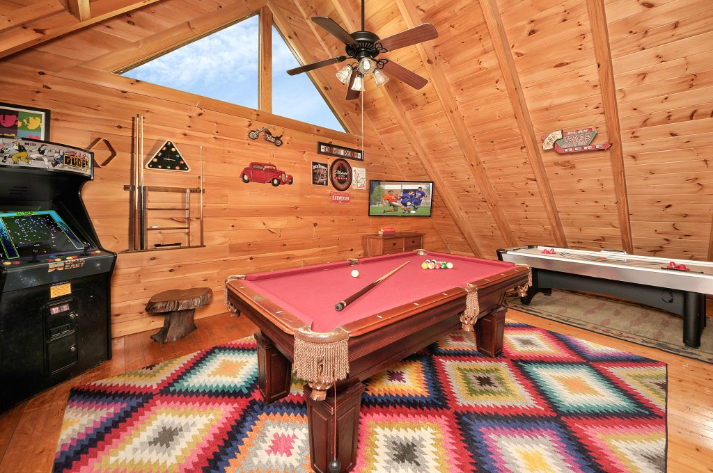 Photo of a Sevierville Cabin named Hakuna Matata - This is the seventh photo in the set.