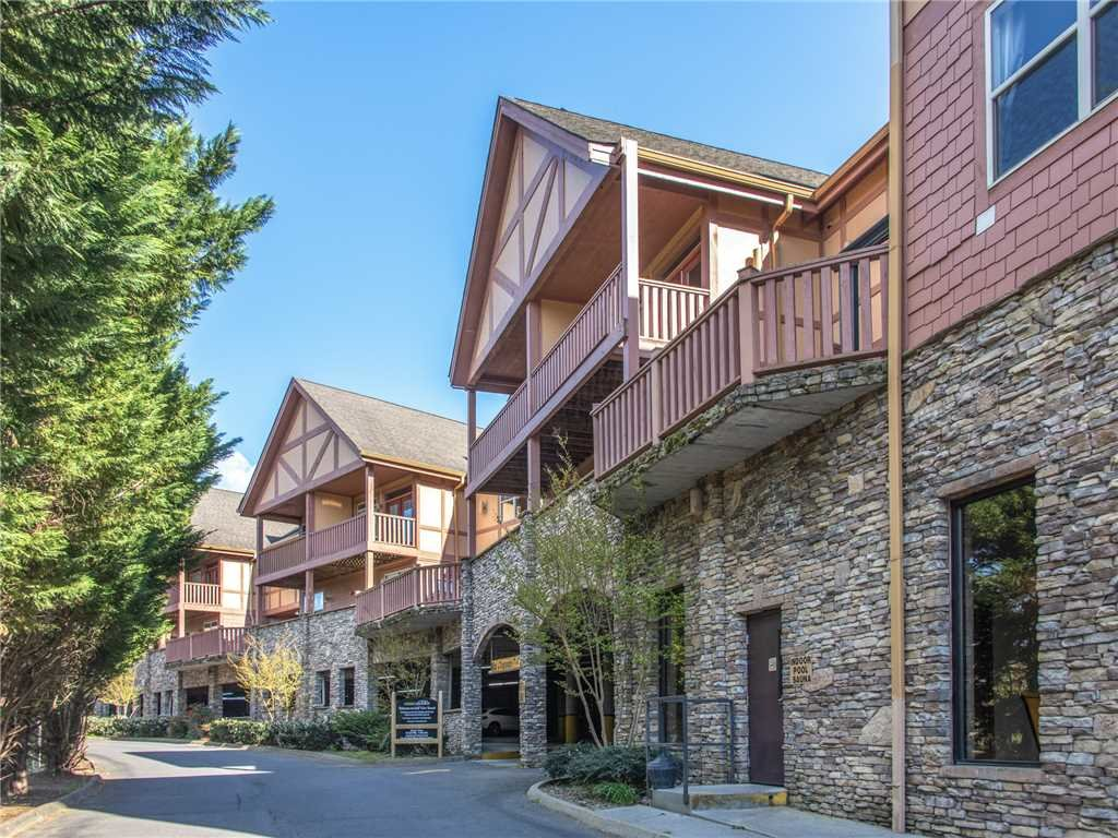 Photo of a Pigeon Forge Condo named Garden Terrace 3107 - This is the twenty-sixth photo in the set.