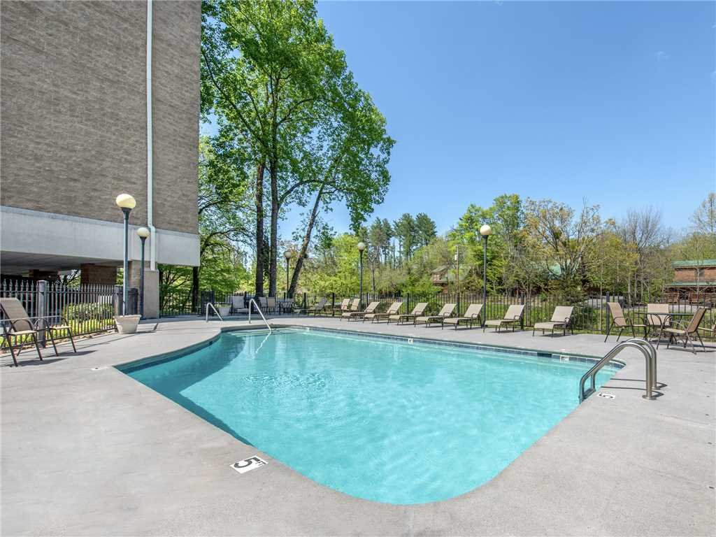 Photo of a Pigeon Forge Condo named Rippling Waters Cedar Lodge 503 - This is the sixteenth photo in the set.