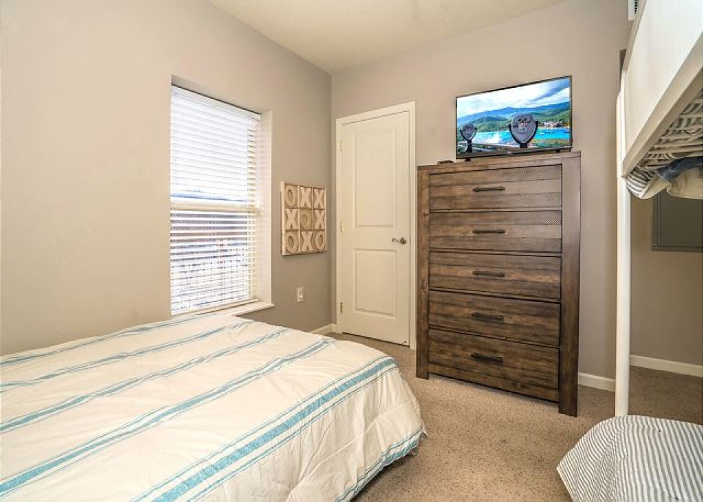 Photo of a Pigeon Forge Condo named Rippling Waters Cedar Lodge 503 - This is the twelfth photo in the set.
