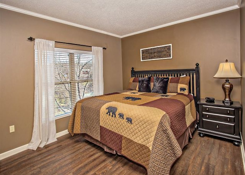 Photo of a Pigeon Forge Condo named On River Time Cedar Lodge 604 - This is the eighth photo in the set.