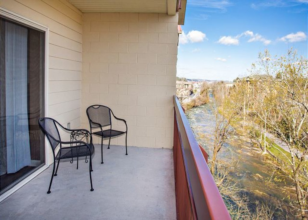 Photo of a Pigeon Forge Condo named On River Time Cedar Lodge 604 - This is the first photo in the set.