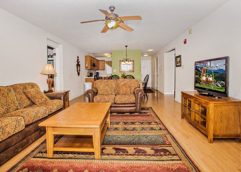 Photo of a Pigeon Forge Condo named Rolling On The River Cedar Lodge 705 - This is the fourth photo in the set.