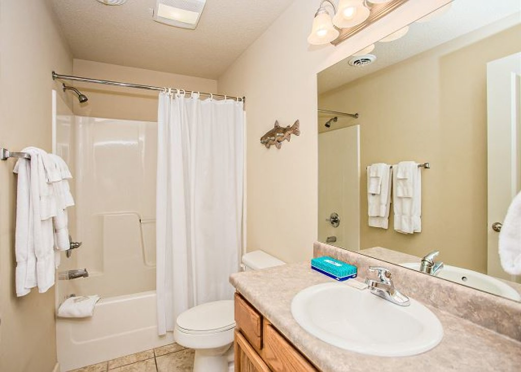 Photo of a Pigeon Forge Condo named Rolling On The River Cedar Lodge 705 - This is the sixteenth photo in the set.