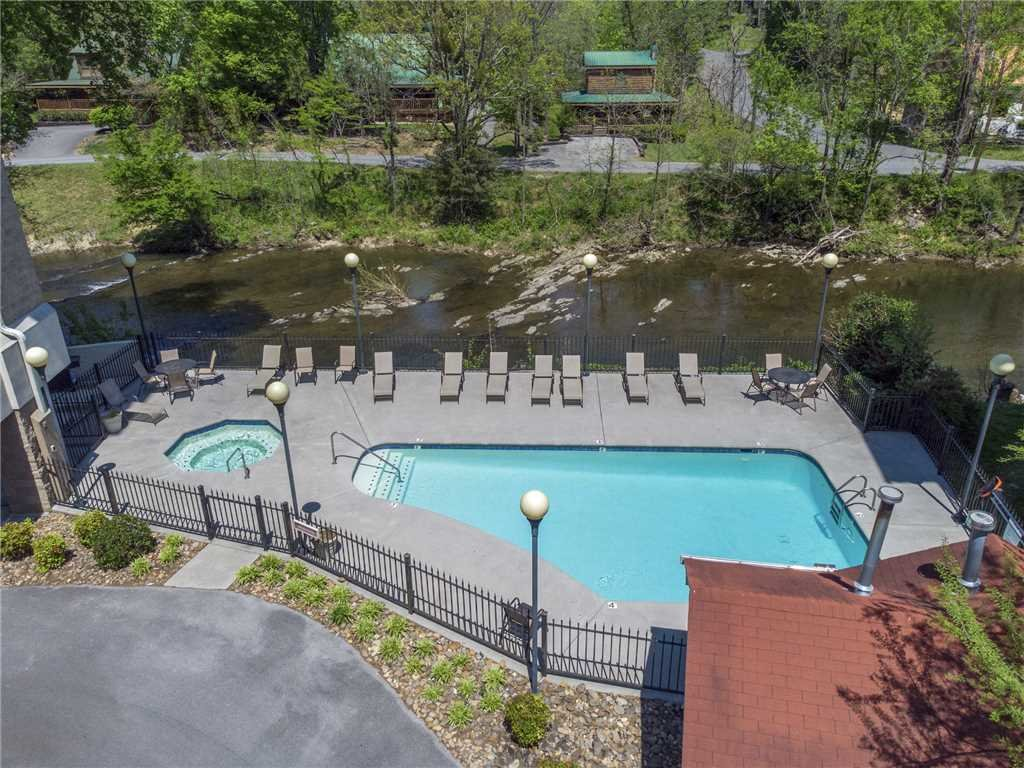Photo of a Pigeon Forge Condo named Rolling On The River Cedar Lodge 705 - This is the first photo in the set.