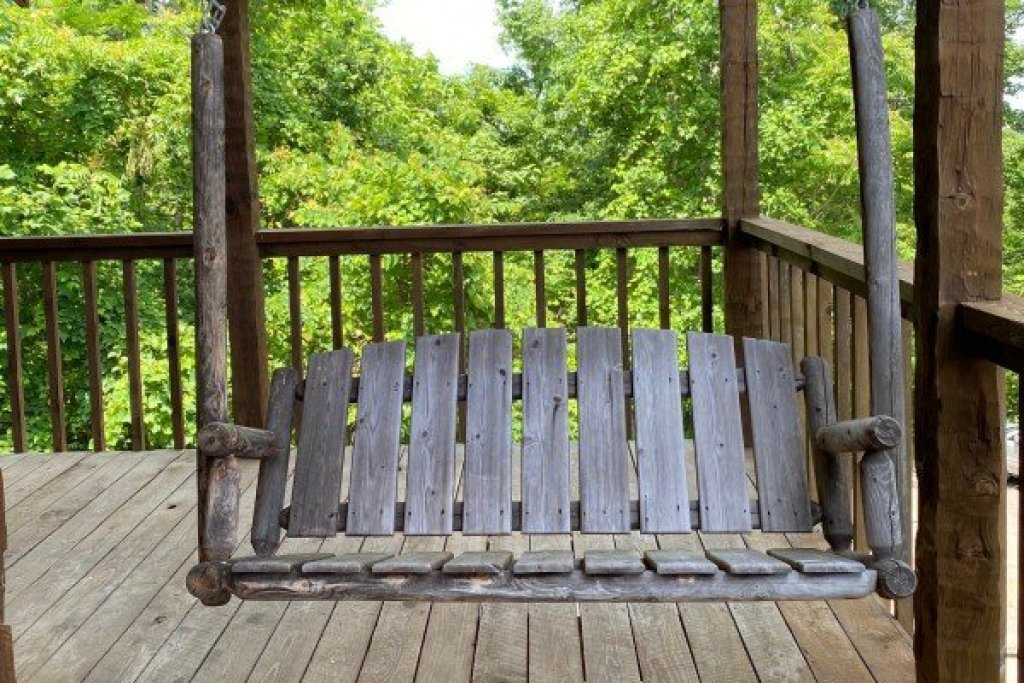 Photo of a Sevierville Cabin named A Room With A View - This is the fifth photo in the set.