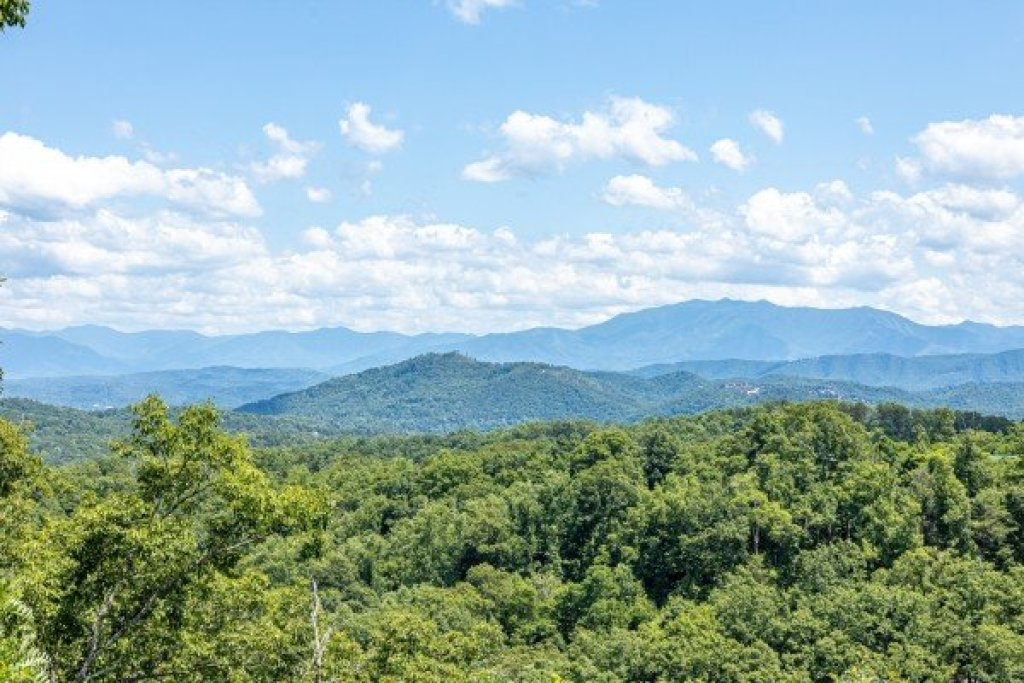 Photo of a Sevierville Cabin named A Room With A View - This is the ninth photo in the set.