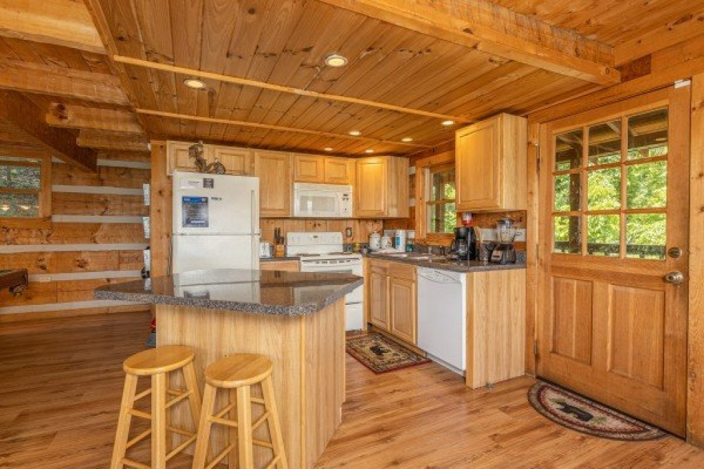 Photo of a Sevierville Cabin named A Room With A View - This is the thirteenth photo in the set.