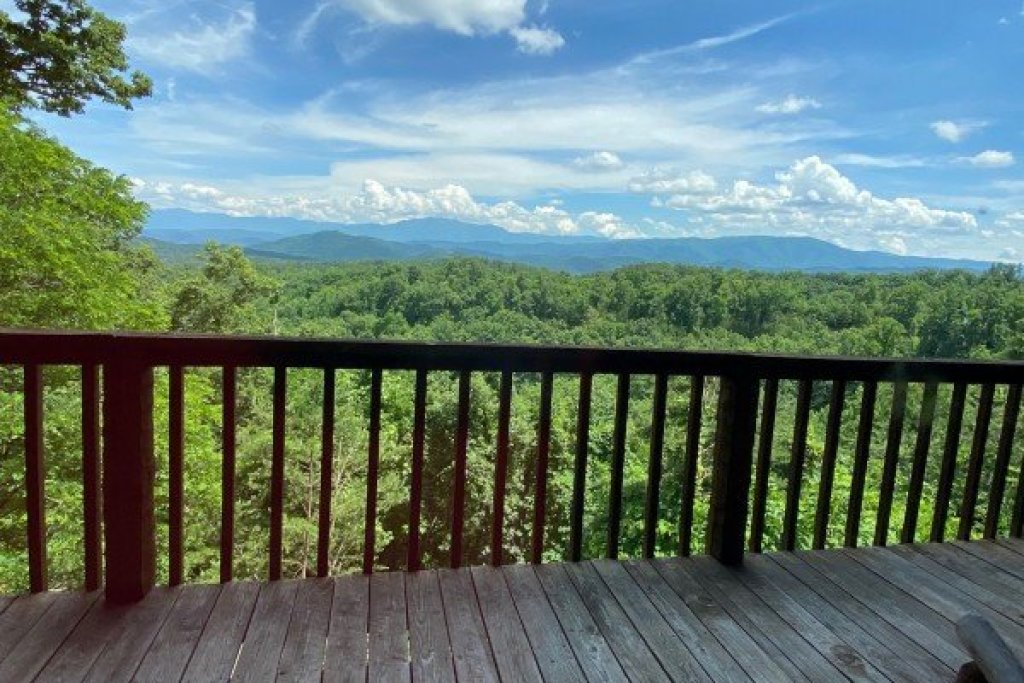 Photo of a Sevierville Cabin named A Room With A View - This is the eighth photo in the set.