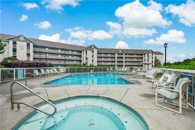 Valley Retreat Whispering Pines 142, 2br, Lazy River, Pools, Fitness,