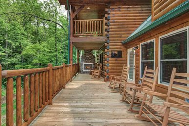Lost In The Woods, 5 Brs, New Build, Hot Tub, Pool Access, Sleeps 12