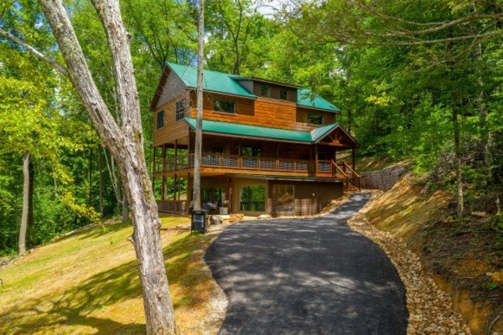 Photo of a Sevierville Cabin named Heavenly Daze - This is the fourth photo in the set.