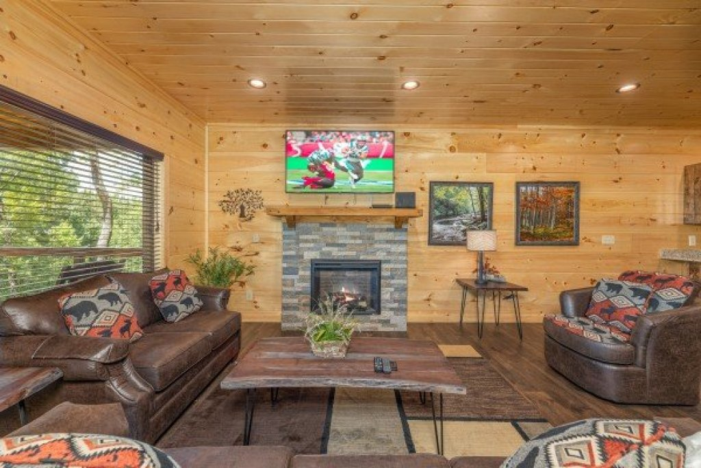 Photo of a Sevierville Cabin named Heavenly Daze - This is the fifteenth photo in the set.
