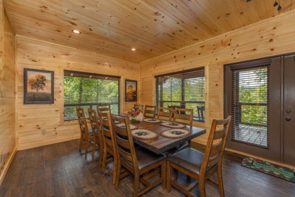 Photo of a Sevierville Cabin named Heavenly Daze - This is the eighteenth photo in the set.