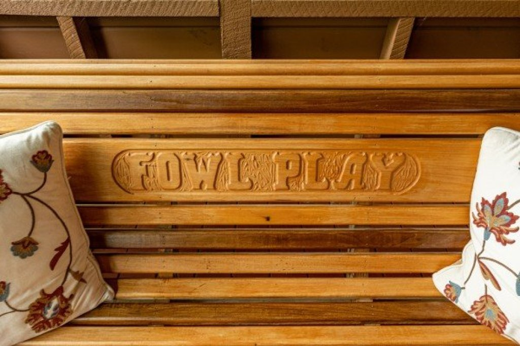 Photo of a Sevierville Cabin named Fowl Play - This is the ninth photo in the set.