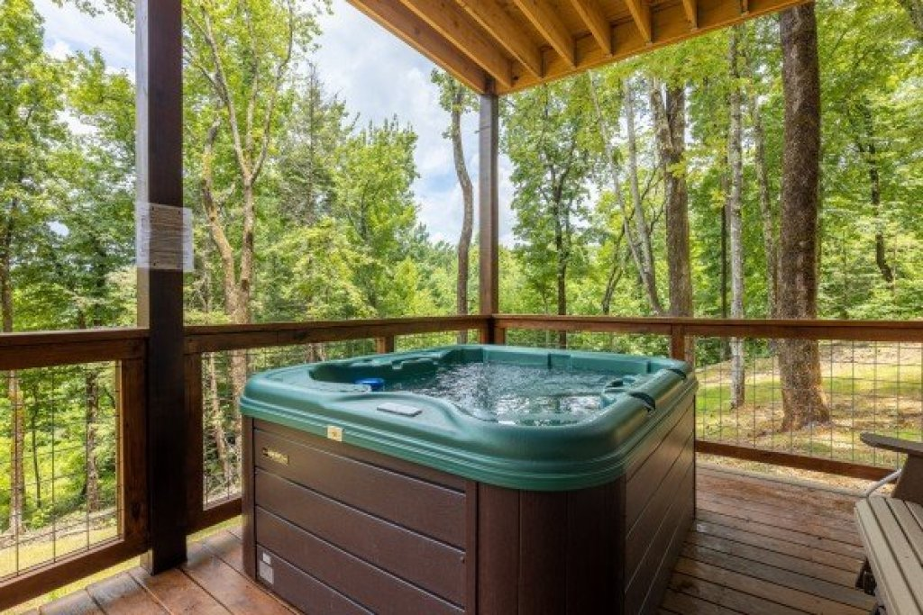 Photo of a Sevierville Cabin named Heavenly Daze - This is the twenty-third photo in the set.