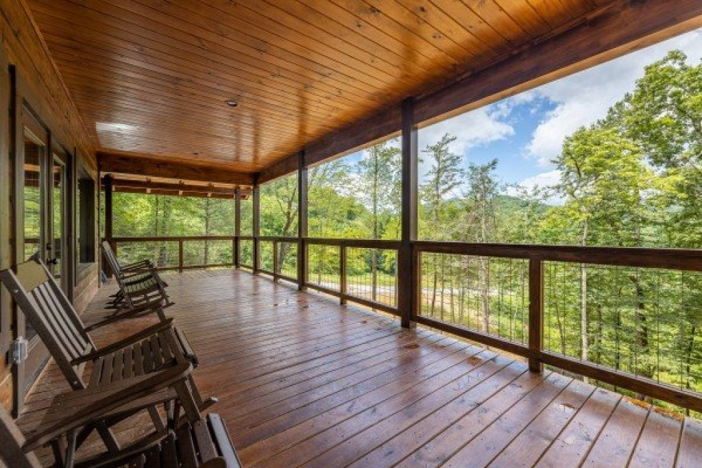 Photo of a Sevierville Cabin named Heavenly Daze - This is the twentieth photo in the set.