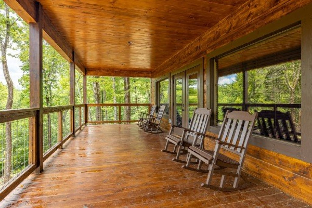 Photo of a Sevierville Cabin named Heavenly Daze - This is the twenty-first photo in the set.