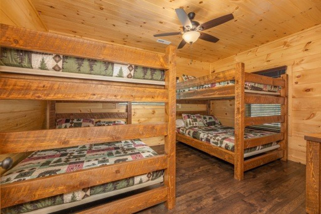 Photo of a Sevierville Cabin named Heavenly Daze - This is the thirtieth photo in the set.