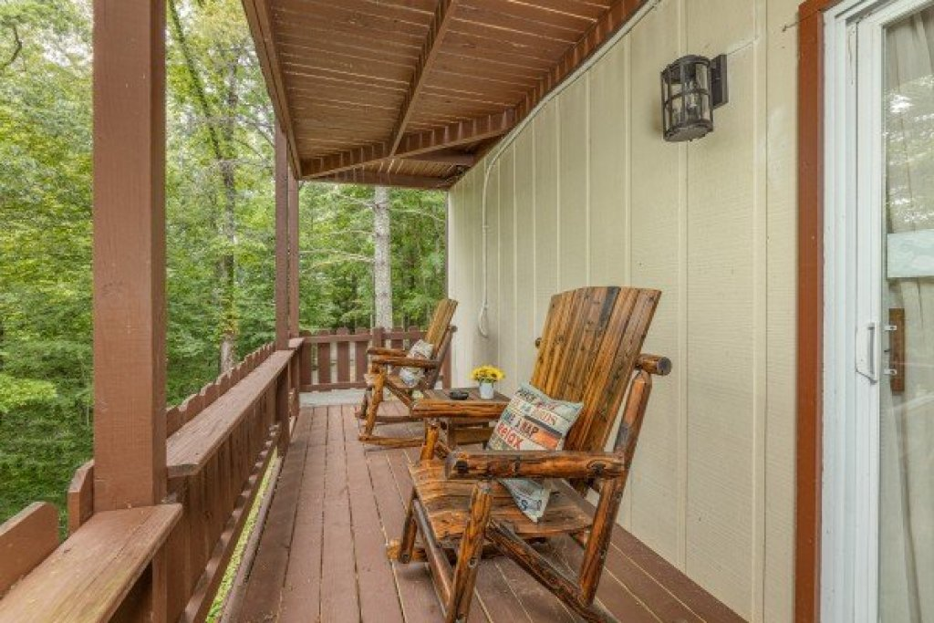 Photo of a Gatlinburg Cabin named Buena Vista Getaway - This is the fifth photo in the set.