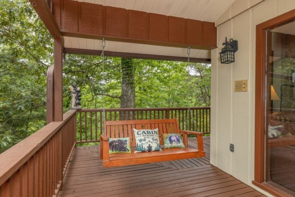 Photo of a Gatlinburg Cabin named Buena Vista Getaway - This is the fourteenth photo in the set.