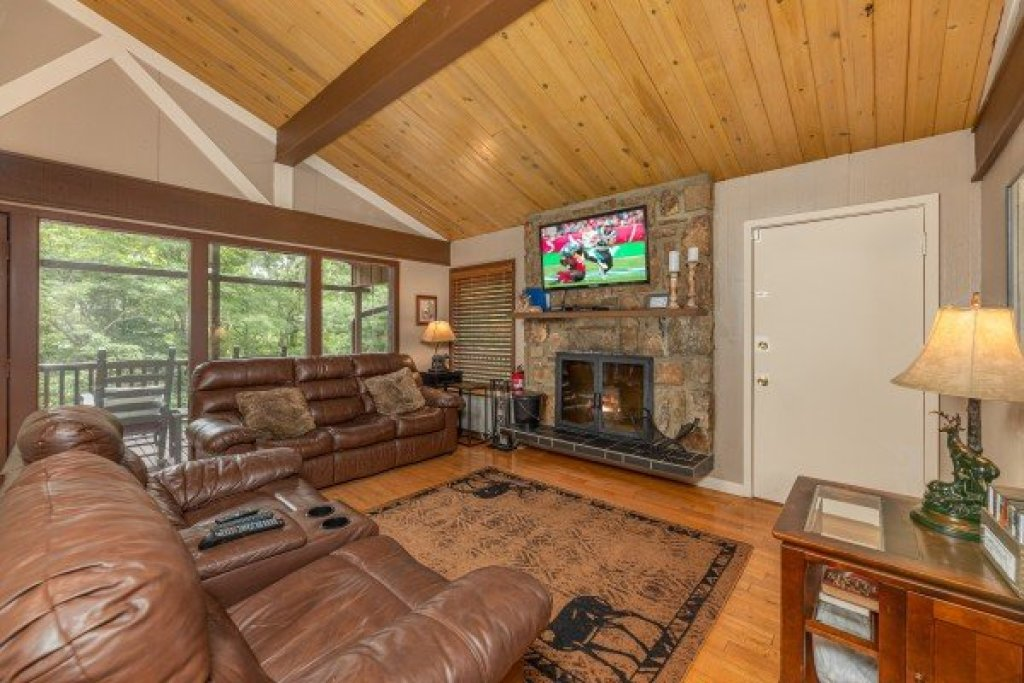 Photo of a Gatlinburg Cabin named Buena Vista Getaway - This is the eighteenth photo in the set.