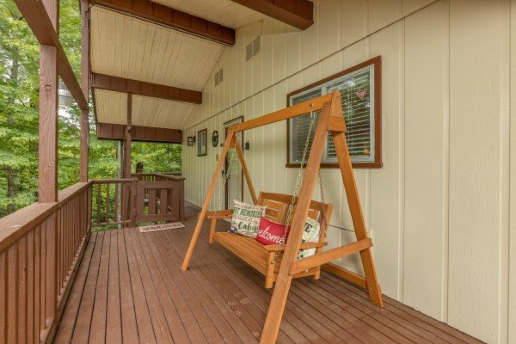 Photo of a Gatlinburg Cabin named Buena Vista Getaway - This is the sixth photo in the set.