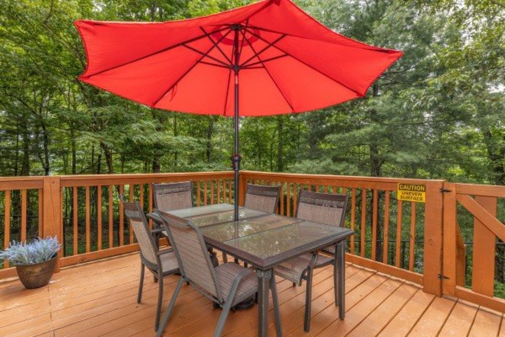 Photo of a Gatlinburg Cabin named Buena Vista Getaway - This is the twelfth photo in the set.