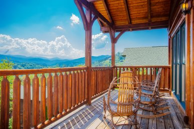 Free Tickets | Million Dollar View, Easy Access, Arcade, Fireplace, Hot Tub