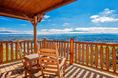 Free Tickets | 100 Mile View From Almost Every Window. Hot Tub, Pool Table
