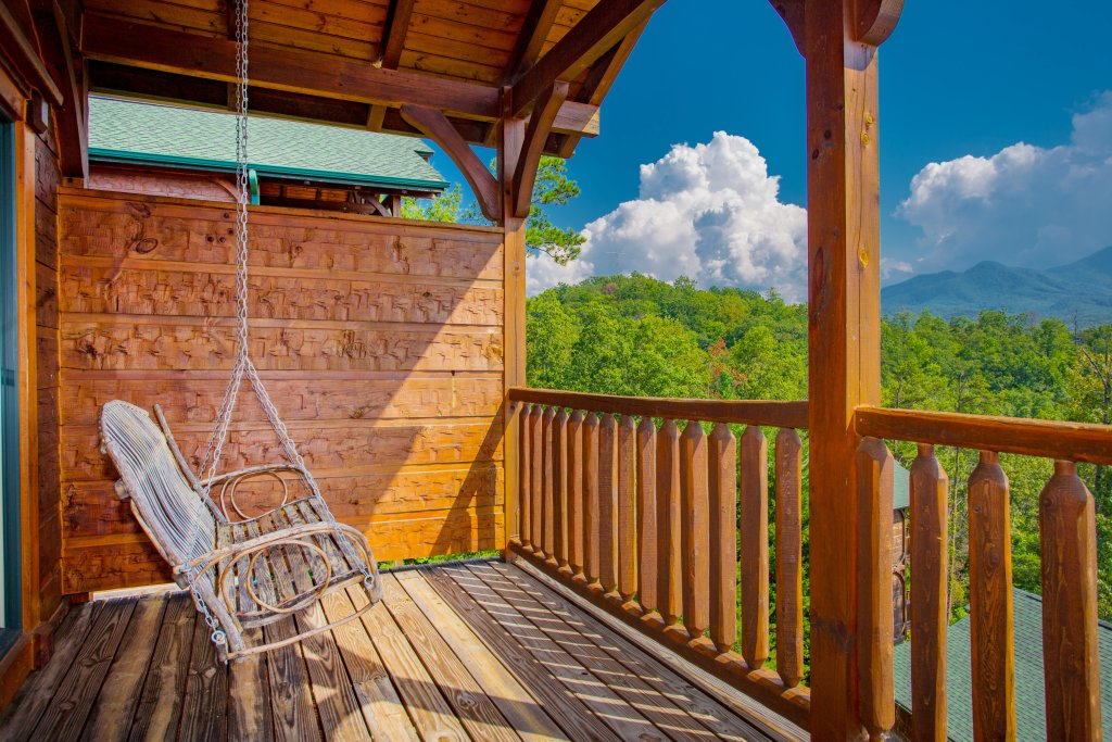 Photo of a Gatlinburg Cabin named Million Dollar View - This is the seventh photo in the set.