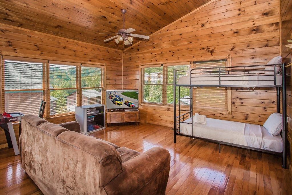 Photo of a Gatlinburg Cabin named Million Dollar View - This is the seventeenth photo in the set.