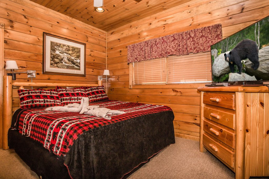 Photo of a Gatlinburg Cabin named Million Dollar View - This is the fourteenth photo in the set.