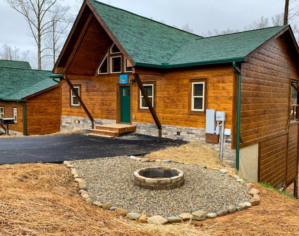 Photo of a Gatlinburg Cabin named On Tennessee Time - This is the first photo in the set.