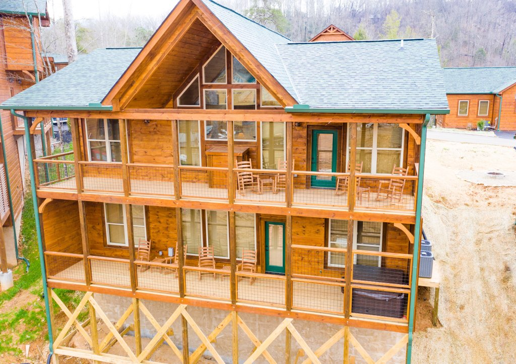 Photo of a Gatlinburg Cabin named On Tennessee Time - This is the seventh photo in the set.