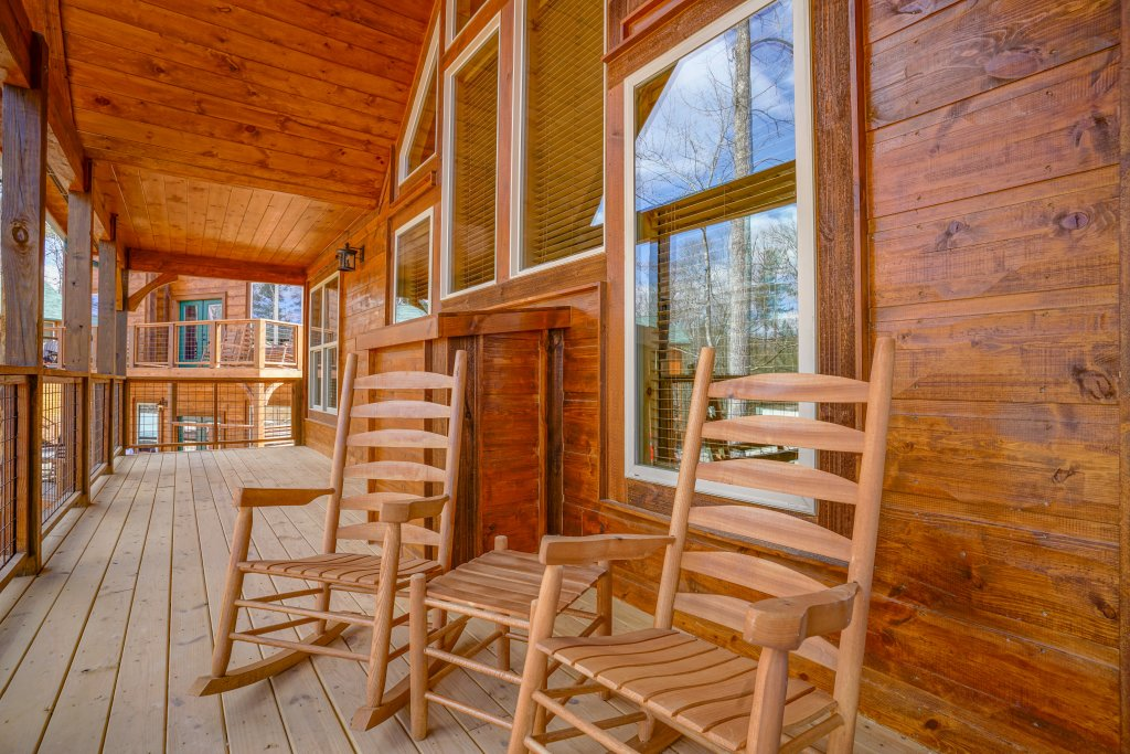 Photo of a Gatlinburg Cabin named On Tennessee Time - This is the thirtieth photo in the set.
