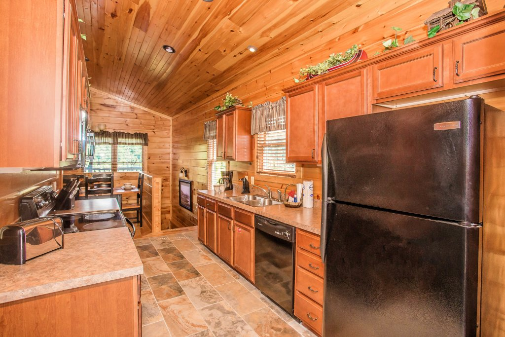 Photo of a Gatlinburg Cabin named Heavenly Hilltop Getaway - This is the twenty-first photo in the set.