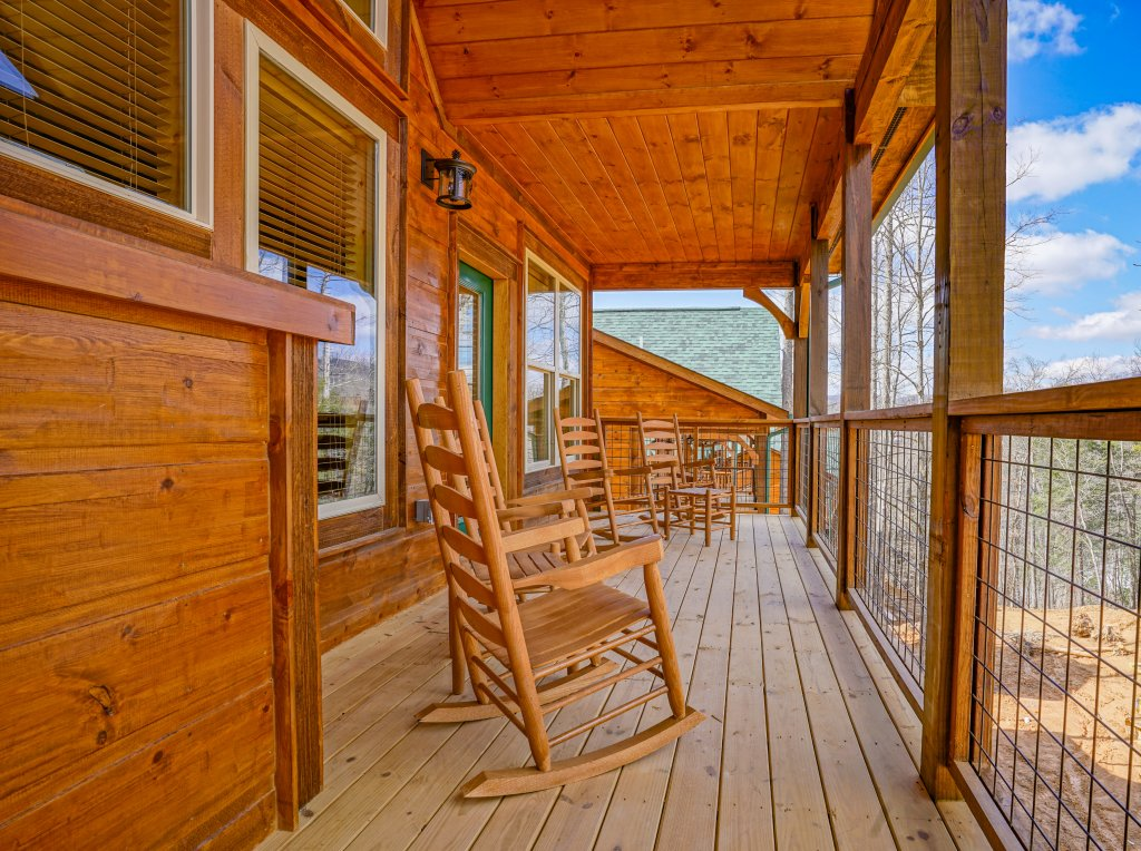 Photo of a Gatlinburg Cabin named On Tennessee Time - This is the sixty-first photo in the set.