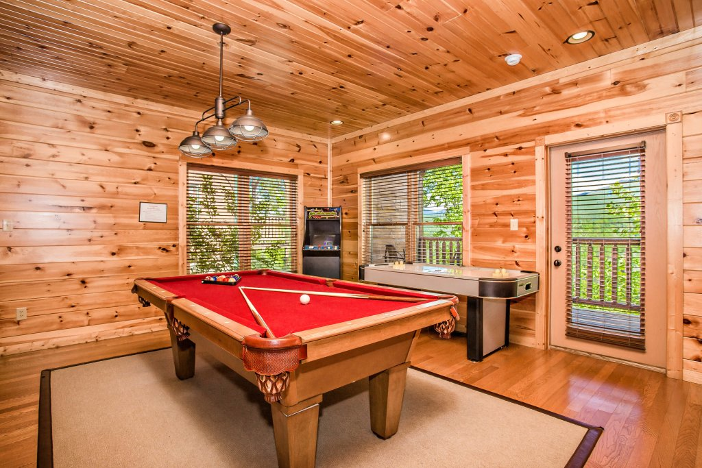Photo of a Gatlinburg Cabin named Heavenly Hilltop Getaway - This is the tenth photo in the set.