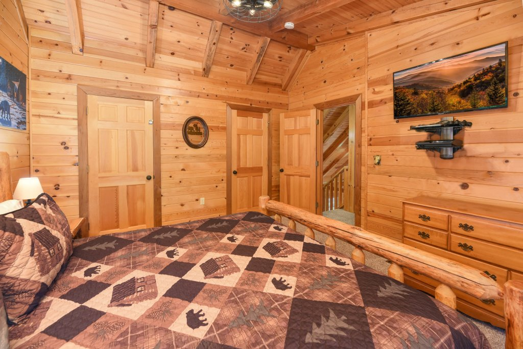 Photo of a Gatlinburg Cabin named Big Sky View - This is the twenty-eighth photo in the set.