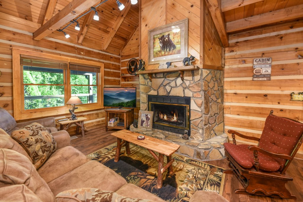 Photo of a Gatlinburg Cabin named Big Sky View - This is the sixth photo in the set.