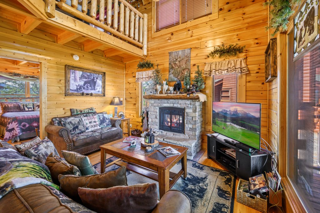 Photo of a Sevierville Cabin named Bearslide Inn - This is the sixth photo in the set.