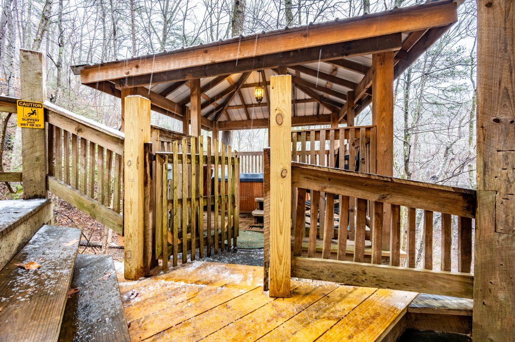 Photo of a Gatlinburg Cabin named Blessed Beyond Measure - This is the second photo in the set.