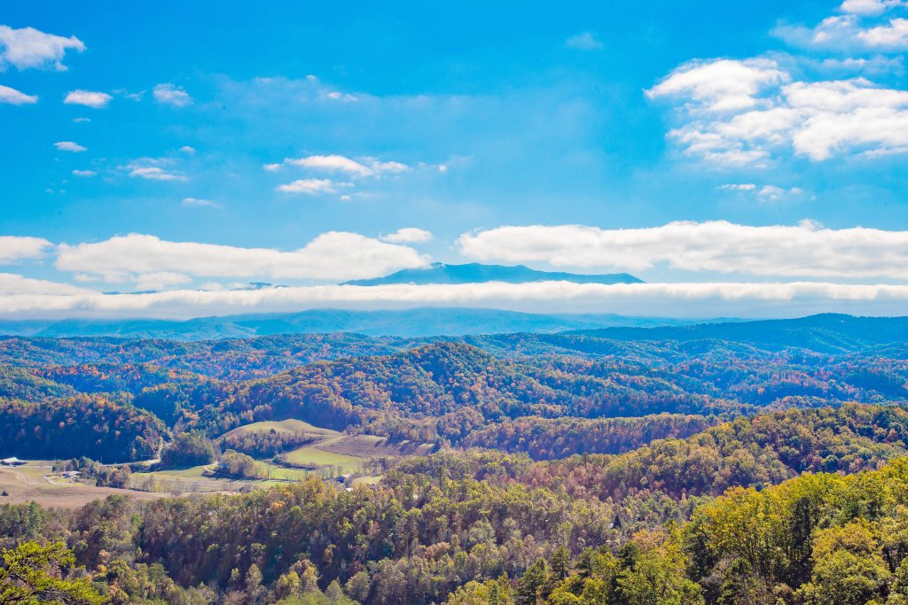 Photo of a Pigeon Forge Cabin named Heavenly High - This is the fifteenth photo in the set.