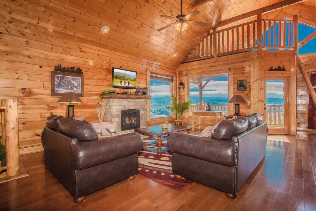 Photo of a Pigeon Forge Cabin named Heavenly High - This is the ninth photo in the set.