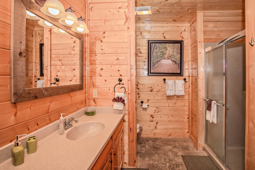 Photo of a Pigeon Forge Cabin named Heavenly High - This is the twelfth photo in the set.