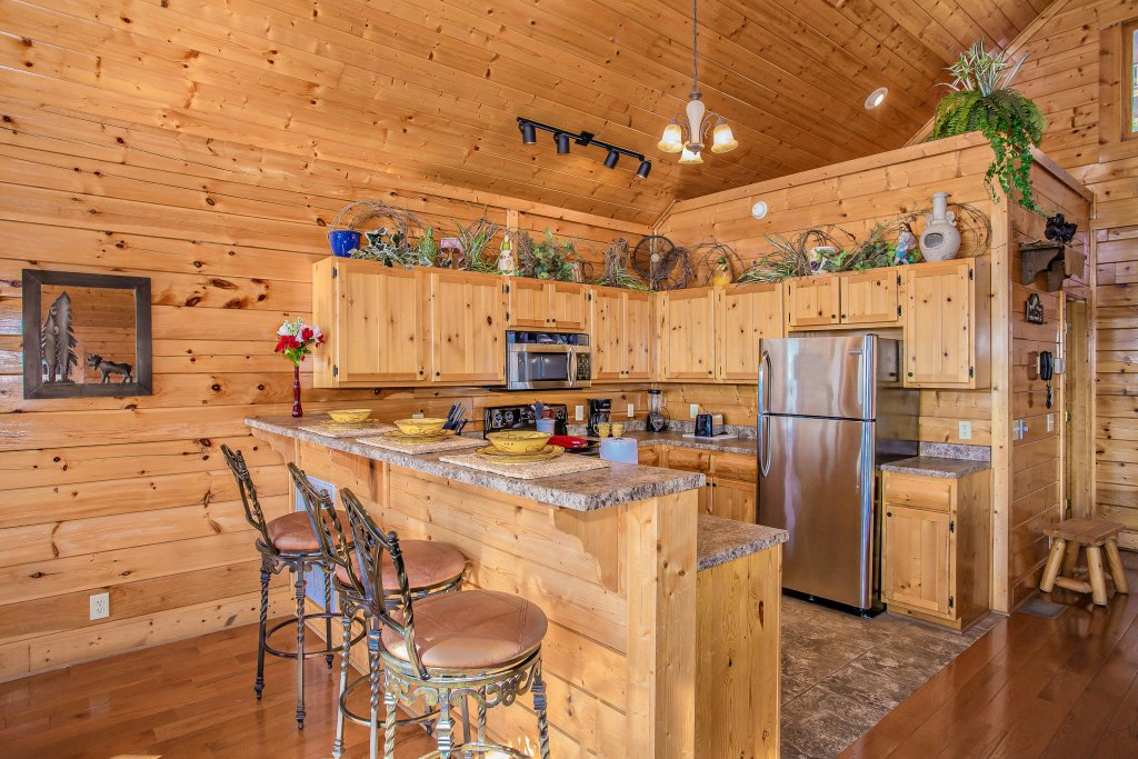 Photo of a Pigeon Forge Cabin named Heavenly High - This is the fourteenth photo in the set.
