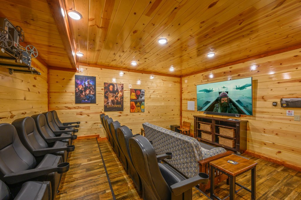 Photo of a Sevierville Cabin named Lazy Bear Lodge - This is the thirty-second photo in the set.